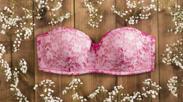 There's FINALLY a strapless bra gals with big boobs are vouching for