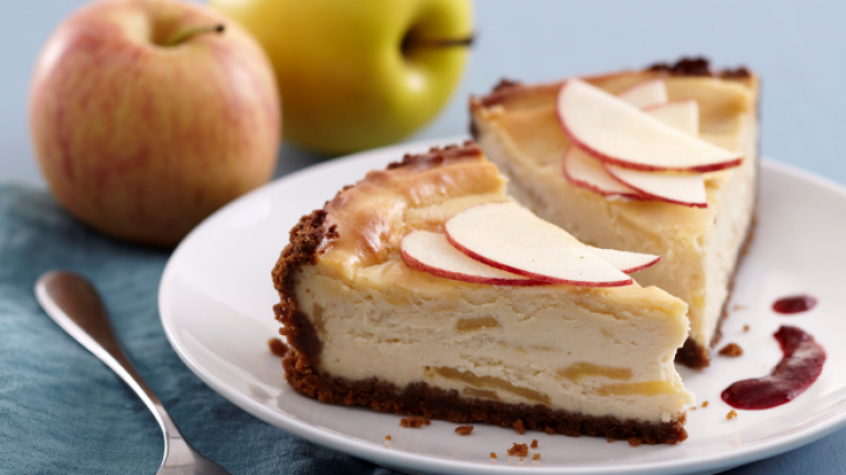 This super sweet apple cheesecake is the perfect dessert and it's SO easy to make