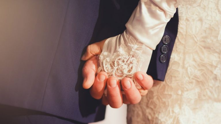 7 people share the craziest things they have seen at a wedding