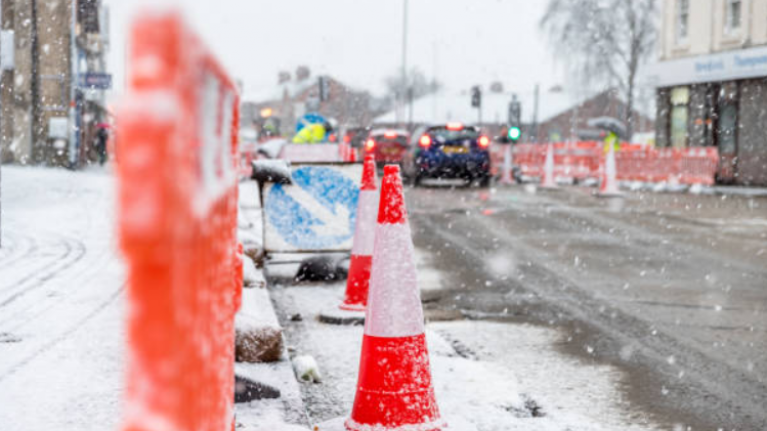 AA Roadwatch issue warning to commuters as weather warning is still in place