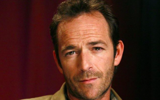 Riverdale's Molly Ringwald pays tribute to the late Luke Perry with heartbreaking message