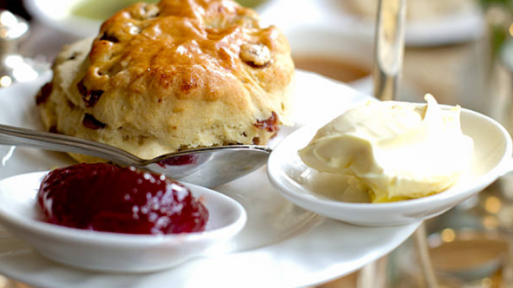 This map shows you how scone is pronounced across Ireland and the UK