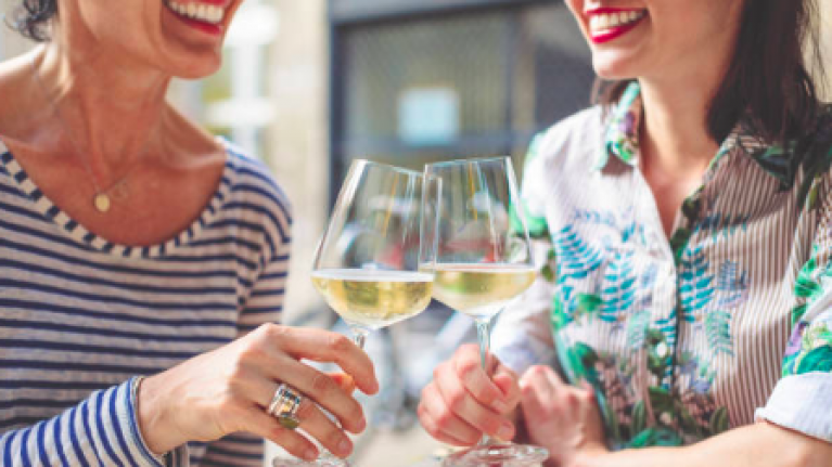 Drinking one bottle of wine a week has same lifetime cancer risk as smoking 10 cigarettes