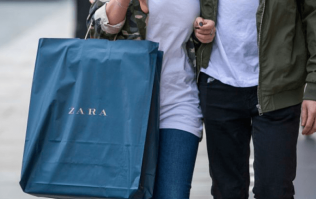 We actually can't get over how expensive this gorgeous €20 Zara dress looks