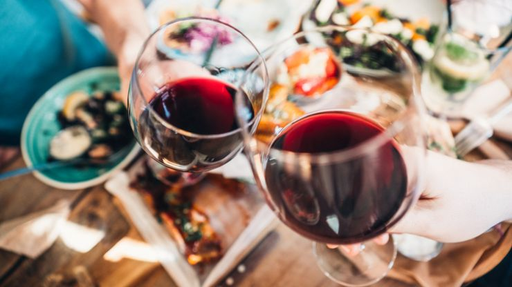 Nutritionist says you can still enjoy alcohol and stay on top of fitness goals