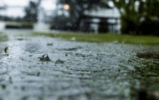 Met Éireann issues heavy rain warning for five counties