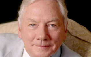 """""""Ireland is abetter country thanks toGay's career"""" - Tributes paid to the iconic Gay Byrne"""