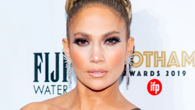 J-Lo says men are 'useless' before the age of 33, and we'd believe it yeah