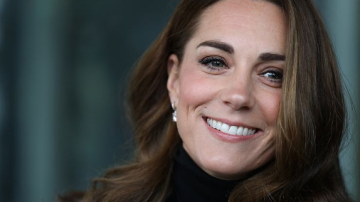 Kate Middleton arrives for Christmas lunch with the Queen and her outfit is impeccably festive