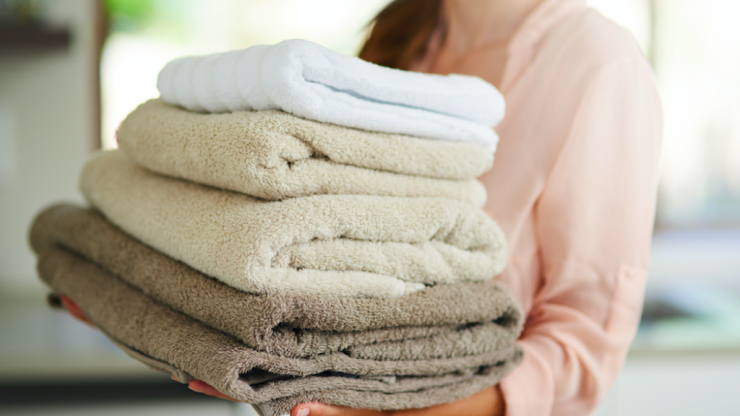Woman invents a simple system that will slash laundry time in HALF