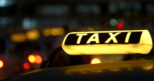 Female Taxi Driver Hurls Abuse at Passenger...