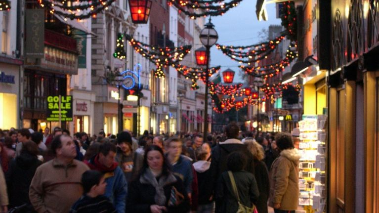 Ho, Ho, How Much? Irish Shoppers Set to Spend €1.55 BILLION This Christmas