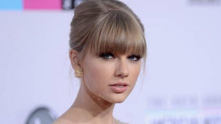 Throwing A Tizzy Taylor Swift Has A Diva Moment Over One Of Her Exes Her Ie