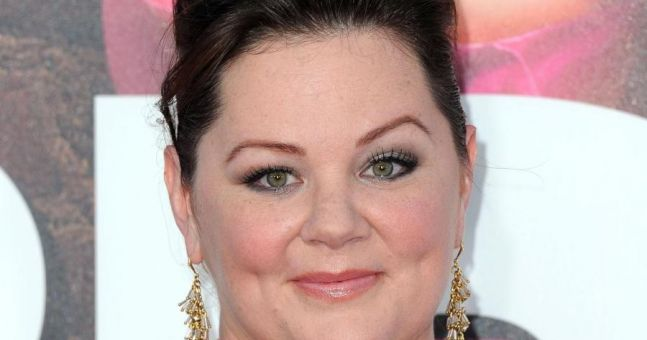 PICTURE - Melissa McCarthy Absolutely Rocks The Cover Of Elle Magazine