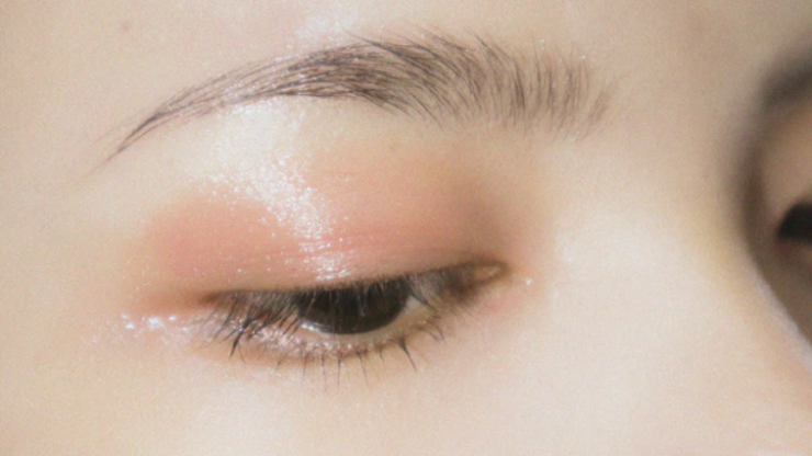 Beauty lovers say this €10 brow product is as good as a professional tint