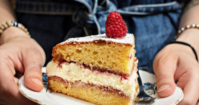 This Victoria Sponge Cake Recipe Will Give You Instant Star Baker Status Her Ie