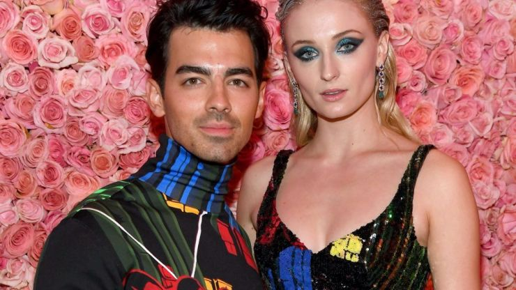It's official: Sophie Turner and Joe Jonas are expecting their first child together