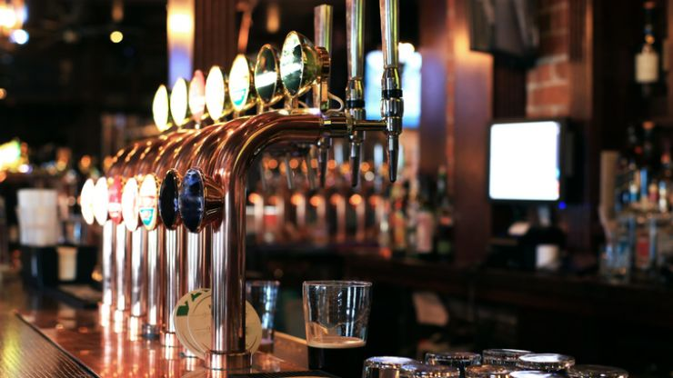Pubs not serving food in Dublin unlikely to reopen as planned next week