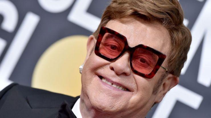 Elton John pledges $1 million to Australian bushfires relief during Sydney concert