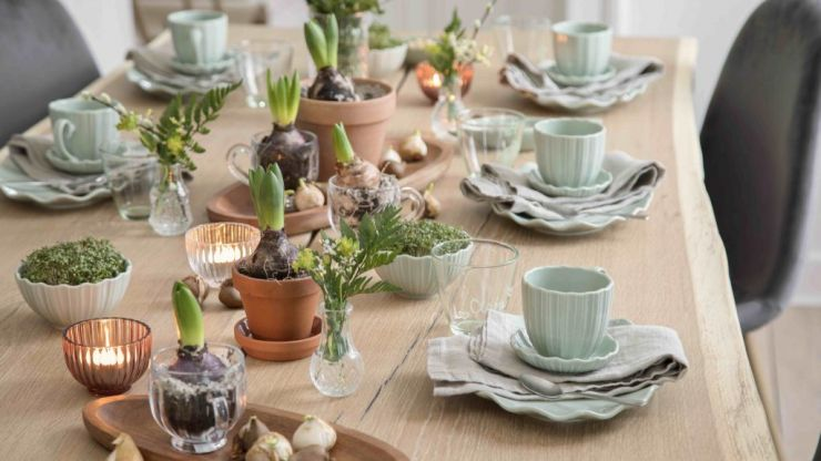 These new cups and saucers from Sostrene Grene are so pretty we want to host an afternoon tea right now