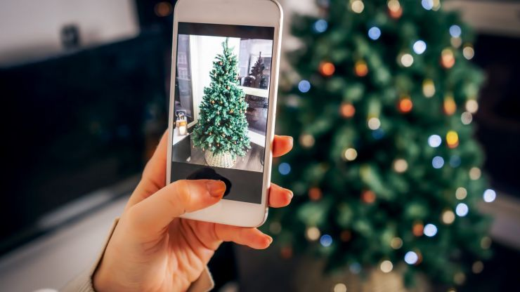 This is when you should put up your Christmas tree in 2020 - and it actually is November