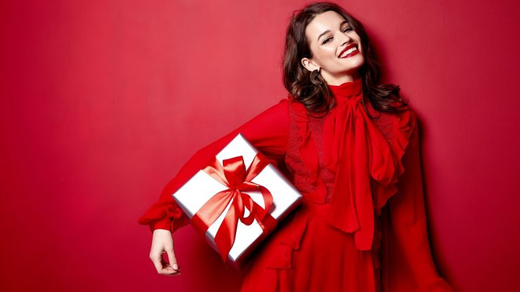 Win a €250 voucher to spend at any Stillorgan Village store and see their stunning gift guide