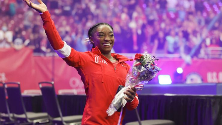 """Simone Biles discusses childhood hunger: """"We didn't have a lot of food."""""""