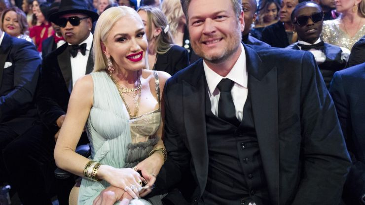 Gwen Stefani cuts Blake Shelton's ex-wife out of pic, photoshops herself in