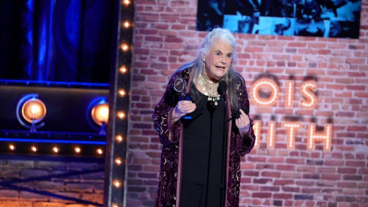 Lois Smith becomes oldest person to win the Tony for acting