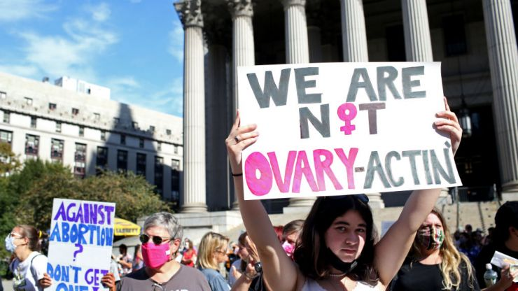 Texas given go ahead to resume ban on abortions