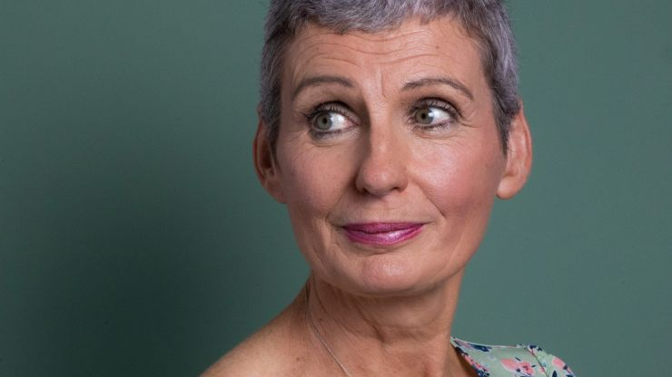 """Breast cancer survivor Tracy Bennett wants to raise awareness for """"sneaky"""" type of cancer"""