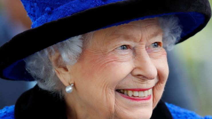 """Queen Elizabeth cancels trip to Ireland based on """"medical advice"""""""