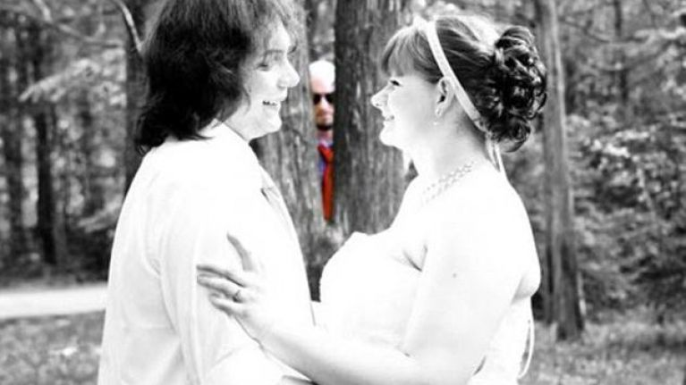 10 brilliant wedding photobombs that will make your (special) day