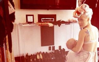 10 very honest (and brilliant) breastfeeding quotes from some very famous mamas