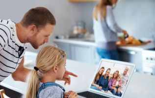 10 must-know safety tips to read BEFORE you share your child's photo online