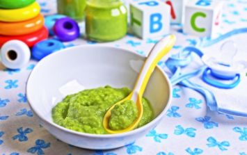 Weaning: You know best when it comes to introducing solids, says blogger Tracey Quinn