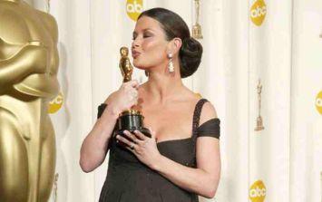WATCH: Catherine Zeta Jones performing 8 months pregnant at 2003 Oscars