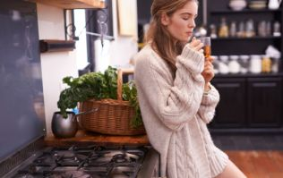5 minute wake-up routine that will get you going in the morning