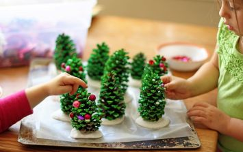 3 easy peasy Christmas craft projects to entertain the kids with