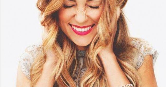 These Genius Hair-Hacks Will Give You Gorgeous, Bouncy Waves