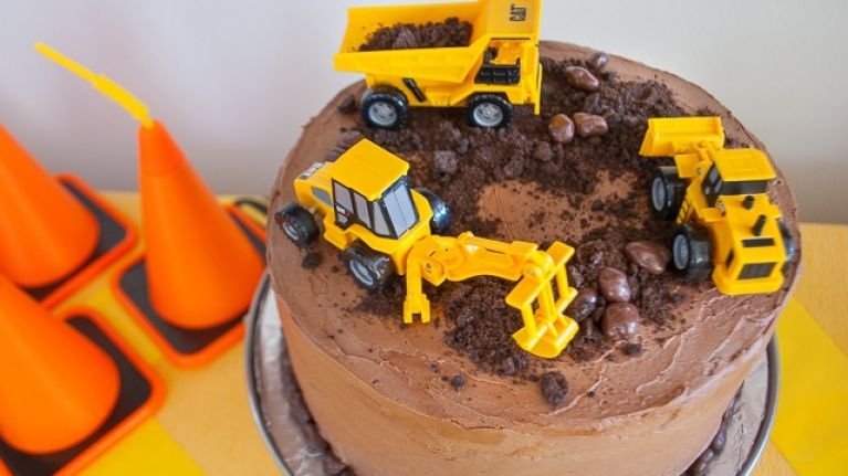 10 Construction Themed Birthday Cakes Any Little Person