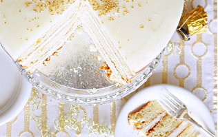 You still have time to whip up this AMAZING prosecco cake for tonight