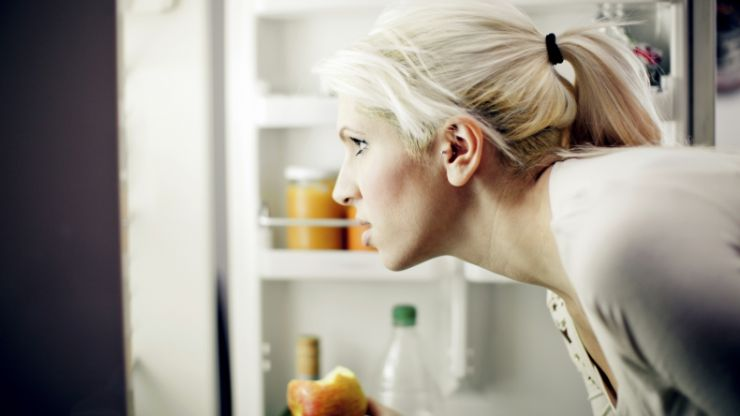 Evening munchies? 3 simple ways to help you stop that late-night snacking habit
