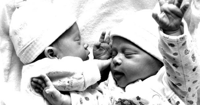 Sophia and Sam? Twin baby names that we absolutely adore