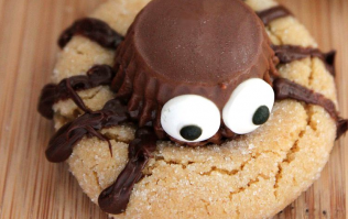 These spooky spider cookies are the perfect weekend baking project