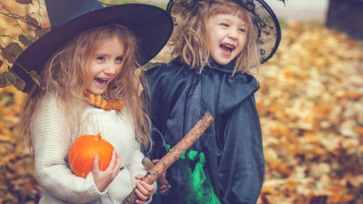3 measures all parents should take to keep kids safe this Halloween