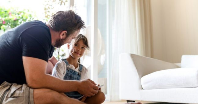 Here's how much praise you should be giving your children