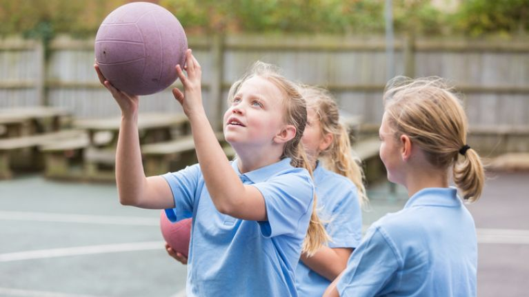 Early onset puberty hits learning 'switch' in girls' brains