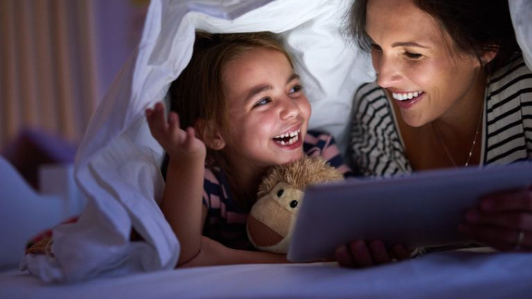 Read bedtime stories from a book, not a screen, says expert
