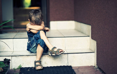 'I saw a mum hit her child': Is it ever ok to intervene?